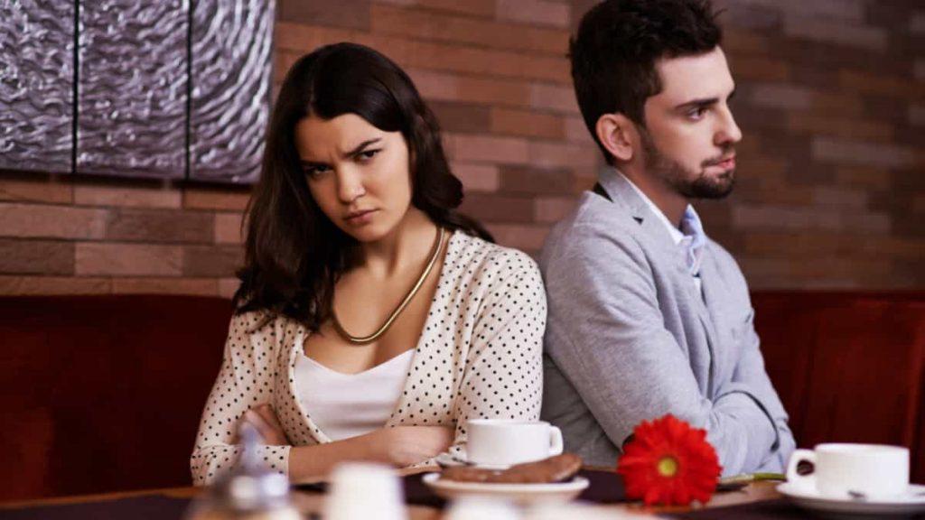 mi pareja no corta con su ex, la ex de mi pareja lo quiere reconquistar, no quiero que mi pareja tenga amistad con su ex, mi pareja y su ex son amigos, mi pareja prefiere a su ex
